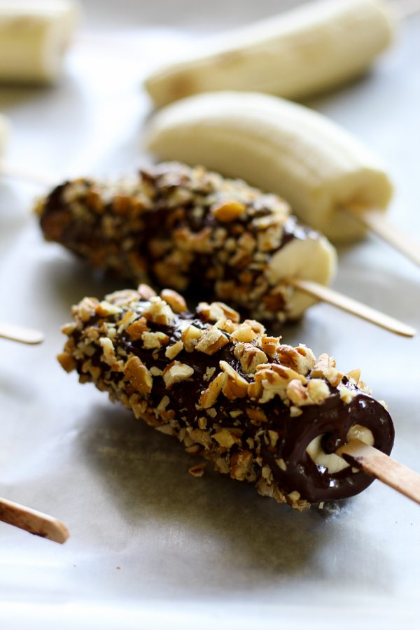 twenty amazing healthy snacks that will help you keep on track and they taste delicious!!
